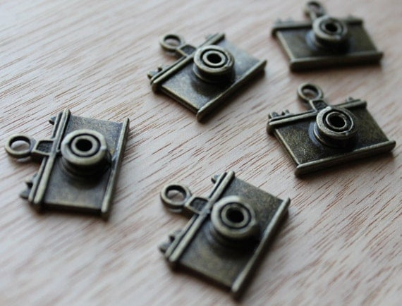 Jewelry Supplies- 2 pieces. 23mm Antique Bronze Camera Charm - Little Laser Lab