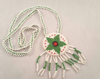 Vintage Native American seed beaded green and white star necklace
