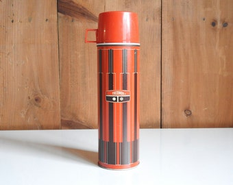 Vintage Red Thermos ~ Tall Beverage Quart Red Black Plaid Coffee Tea Hot Chocolate Rustic Country Farmhouse Picnic Cottage Mid century Retro