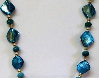 Butterfly shell necklace set