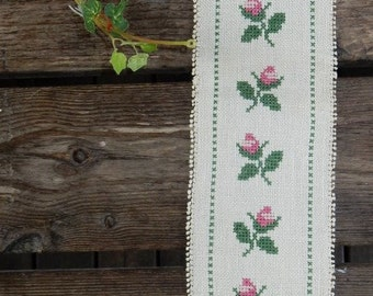 Swedish hand embroidered wall hanging 1970s  /  flowers