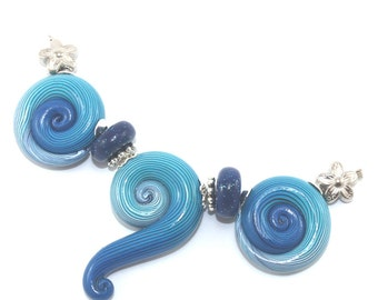 Polymer Clay beads with unique stripes, elegant big gradient spiral beads in turquoise, blue and white, set of 3 Ombre beads