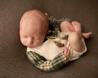 Newborn prop, baby romper, baby photo prop/ Forest green plaid romper