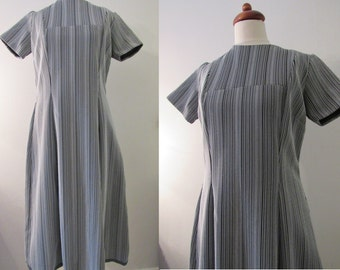 70s Striped A-Line Dress in Black and White, L-XL // Vintage Dress