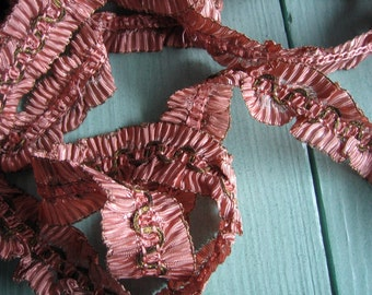 Antique Metallic Edge Ruffled Gathered Pleated Trim Ribbon (Ref: A-4648 Box 1)