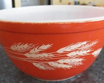 Vintage PYREX Autumn Harvest Wheat Mixing Bowl Nesting #402/1.5 L Brown/Rust