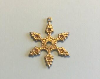 10 Snowflake brass Charms