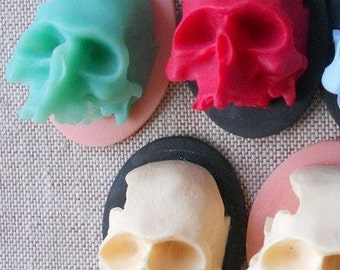 6 pcs of 3 D skull resin cabochon 30x40mm
