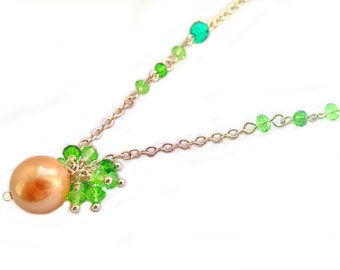 Necklace with Pendant of shell Pearl