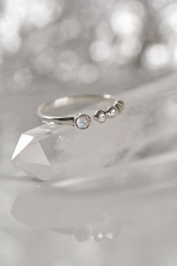 Simple Silver Ring, Moonstone Ring, Minimal Ring, Boho Rings, Moon Ring, Rainbow Moonstone, Adjustable Ring, Don Biu