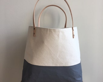 Natural Canvas Tote - Gray Painted Bottom
