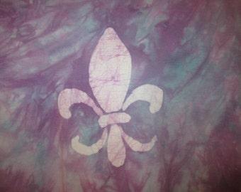 Fleur de lis hand-made batik t-shirt - Size Women's M