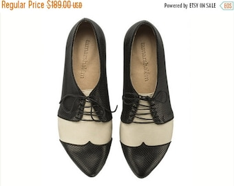 SUMMER SALE Black and white oxford shoes Polly Jean / B&W handmade flat leather shoes