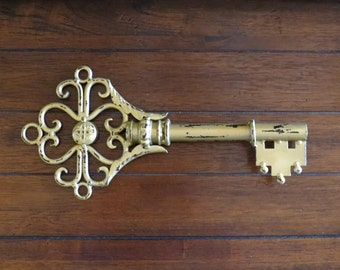Oversized Skeleton Key / Antique Gold or Pick Color / Wall Decoration / Metal Key Hanging /Housewarming Gift/Shabby Chic Parisian Apartment