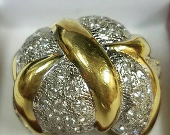 18 karat yellow gold  gorgeous diamond statement ring
