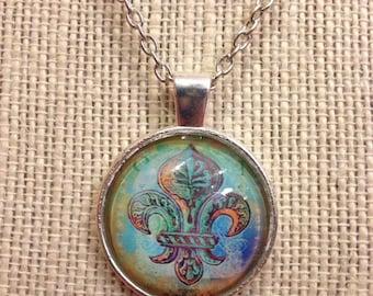 """16"""" Silver Fleur-de-les Glass Pendant Necklace"""