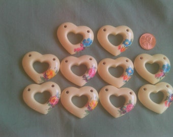 Cabochons!! 10 resin hearts for necklaces!