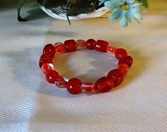 Womens Red glass Bracelet, stretch,  7 inches, hand crafted, gift for her, girlfriend gift, wife gift, cinnamon red bracelet