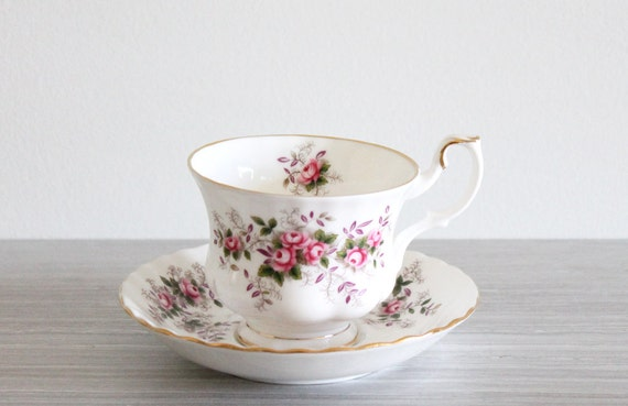 vintage white shabby chic royal albert lavender rose tea cup. Black Bedroom Furniture Sets. Home Design Ideas