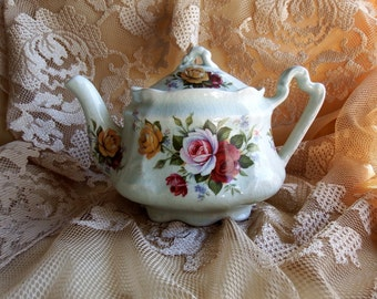 Vintage Arthur Wood, England // Kew // Teapot // Red, Pink and Yellow Roses