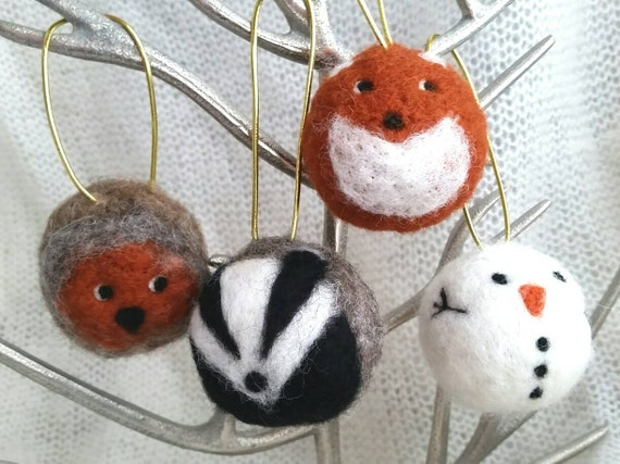 Needle felt bauble fox badger robin christmas tree decoration for Badger christmas decoration