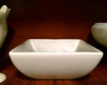 Lovely Royal Haeger RG-9 Art Pottery Square Bowl Matte White Glaze