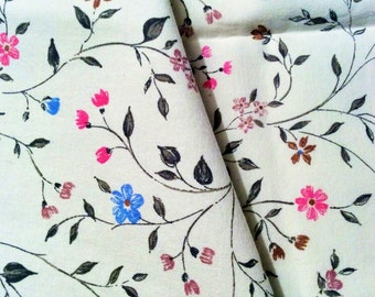 Vintage Shabby chic Swedish floral cotton fabric with lovely colors. Unused, country style scandinavian