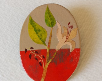 Brooch - lovely - hand painted.