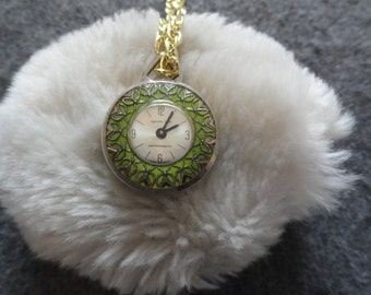 Pretty Swiss Made Reming Time Wind Up Vintage Necklace Pendant Watch