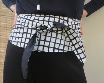 Reversible and adjustable fabric belt