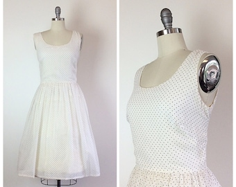 50s Miss Elliette White Polka Dot Fit and Flare Dress / 1950s Vintage Sundress / Day Dress With Swiss Dots / Medium / Size 8