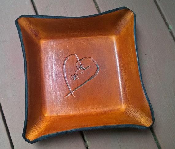 3rd Wedding Anniversary Leather Gifts: Third Anniversary Gift Distressed Leather Tray. You