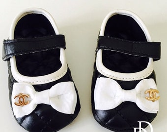 """Quilted Black and White Bow Designer Baby Shoes with CC logo, Size 0-6 Months, 4"""" long First Walkers Crib Shoes"""