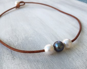 Leather pearl necklace, leather necklace, freshwater pearl necklace, leather and pearls, pearl necklace, leather jewelry