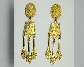 Vintage Matte Goldtone Chandelier / Dangling earrings