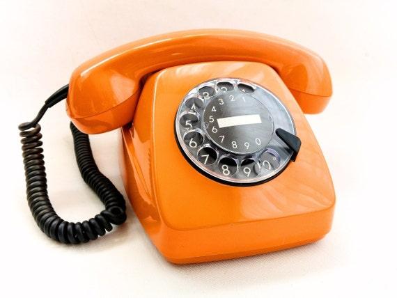 vintage orange telephone fetap 611 2a siemens vintage. Black Bedroom Furniture Sets. Home Design Ideas