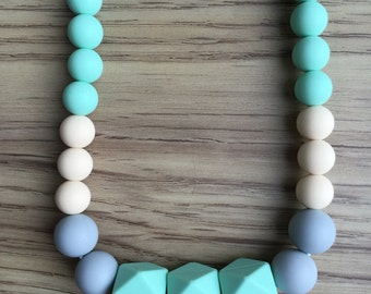 Lauren -handmade silicon teething necklace for moms with babies