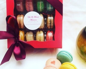 12 French macarons in gift box
