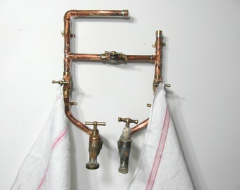 Reclaimed copper towel rack, copper pipe architectural salvage, brass faucets, industrial decor, made in France, bathroom decor, steampunk.