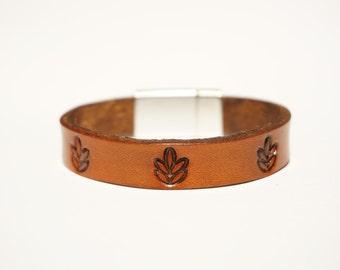 Leather Bracelet - Leaves
