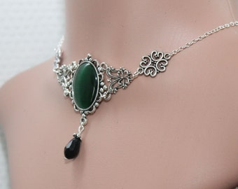 Gothic necklace - green cabochon