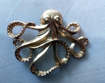Great spit Octopus - octopus - Golden