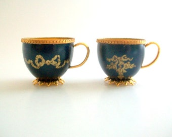 Tiny Teacups, Eggshell Teacups, Egg Art, Eggshell Art, Eggshell Collectibles, Teacup Collectibles, Miniature Teacups, Blue & Gold, Vintage