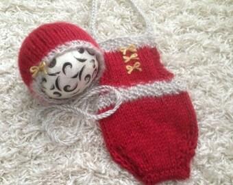 Newborn size girl's knit christmas romper, bonnet , set ,photo prop ,gift idea