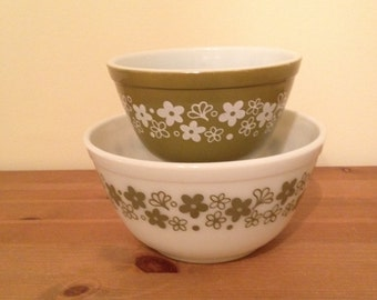 Vintage Pyrex Crazy Daisy Spring Blossom Mixing Bowls #401 and #402 Set of 2 SALE