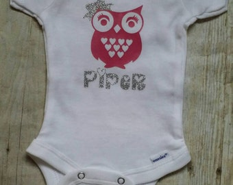 Baby girl Valentine's day outfit-owl bodysuit-onesie-baby shower gift-photo prop-personalized-custom-Valentine's Day-toddler