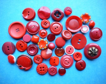 Vintage Buttons - Red - Mixed Style 50g