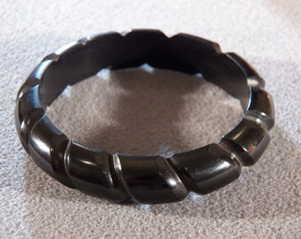 Vintage Black Carved Lucite Bangle Style Bracelet, Such a Sophisticated Look!    **RL