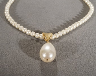 Vintage Art Deco Style Yellow Gold Tone Faux Pearl Sarah Coventry Designer Signed Necklace Bib Style -K #19