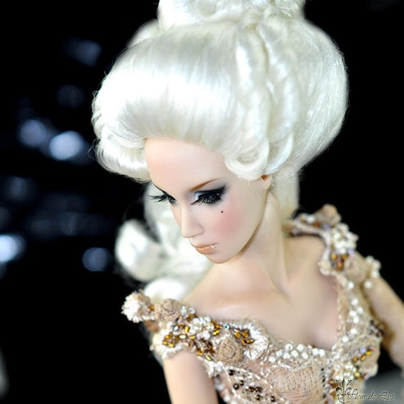 Wig Marquise Pompadour Rococo Versailles White Mohair For